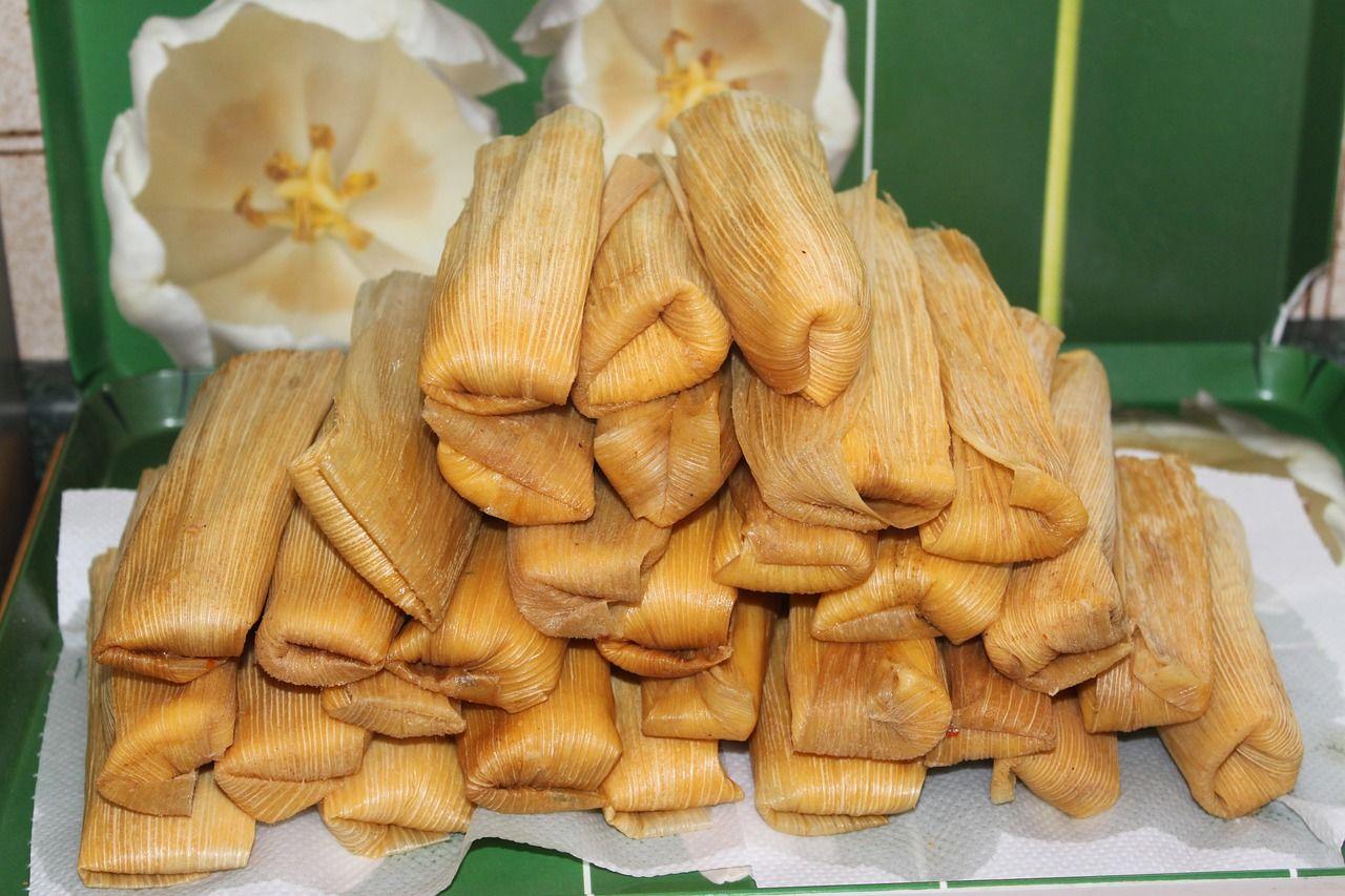 Tamales jsou baleny do kukuřičných či banánových listů