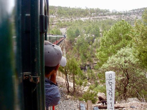 Vlak Chepe projede celkem 86 tunely a přes 35 mostů