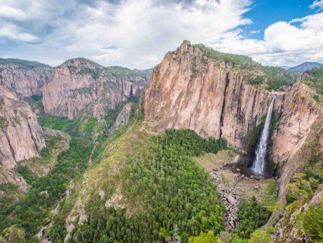 Jeden z nejvyšších mexických vodopádů Basaseachi