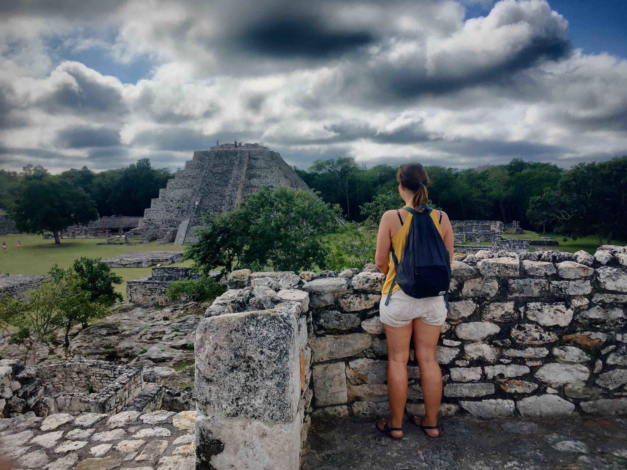 Mayapán je takovým Chichen Itzá pro líné, šetřivé aty, kteří se vyhýbají davům. Najdete tu vpodstatě to samé, jen vmenším, bez davů aasi desetkrát levněji